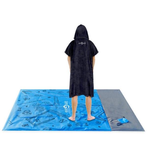 Beach Mat for Wetsuit Changing, Picnics & Surfboard