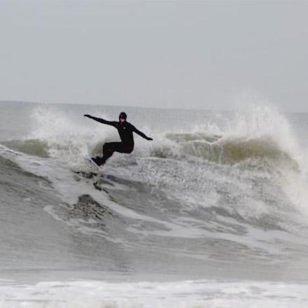 Joshua Williamson-Evans, Welsh surfer for Eatsalt